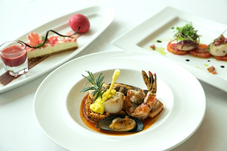 Indulge in a romantic Valentine's dinner at Holiday Inn Pattaya.
