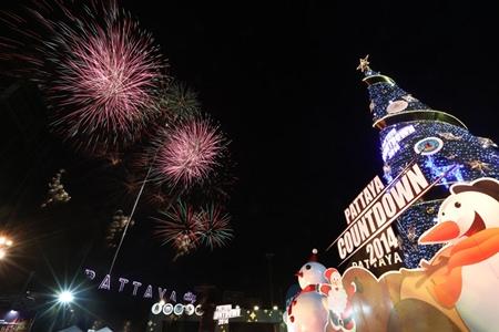 Fireworks climax Pattaya Countdown 2014.