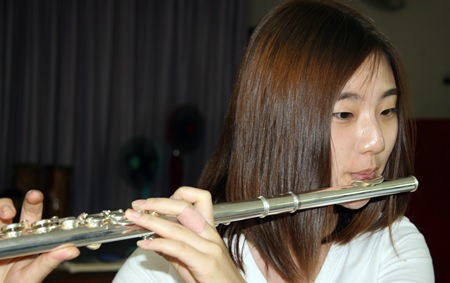 This young Korean flute player performed with perfection.