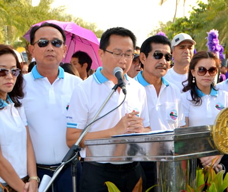 """Pattaya Business & Tourism Association President Sinchai Wattanasartsathorn says, """"If we cooperate and help each other enforce the parking regulations, I can assure everybody that Pattaya can change for the better."""""""