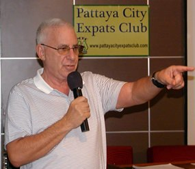 MC Richard Silverberg opens the last PCEC meeting of 2013 by inviting new members and visitors to introduce themselves.
