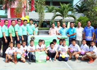 The Lions Club of Pattaya-Nongprue capped off Children's Day by donating a new water-filtration system to Thungklom School.