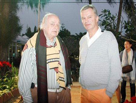 Ferenc Fricsay (left) and Ingo G. Raeuber (right) are surprised by the paparazzi.