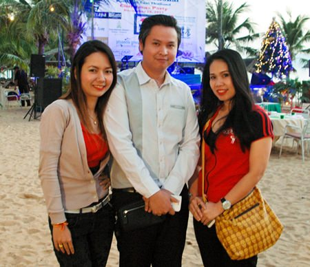 (L to R) Karnmanee Saengchan, Sales Manager for Amari Orchid Pattaya; Kamolphop Suksamarn, Sales Manager for Nova Platinum Hotel; and Dueanpen Thongsombut, Asst Sales Director at the Amari Orchid Pattaya.