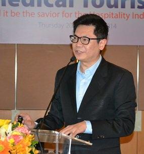 Dr. Pichit Kangwolkij, CEO Bangkok Hospital Group, Eastern Region was guest speaker of the night.
