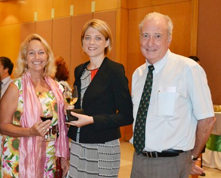 Rosanne Diamente from WWM (Women With a Mission); Kate Gerits, General Manager of the Holiday Inn Pattaya and Dr Iain Corness.