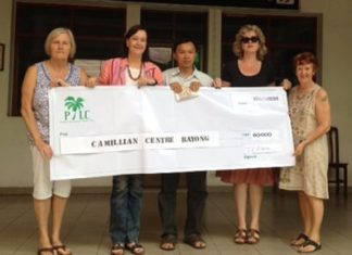 Helle Rantsen, Joyce Aldridge, and PILC members donated 60,000 baht to the Camillian Centre.