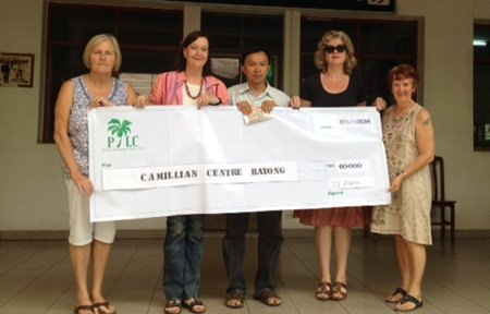 Helle Rantsen, Joyce Aldridge, and PILC members donated 60,000 baht to the Camillian Centre.
