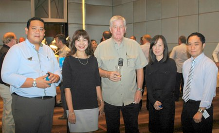 (L to R) Tanin Suphavittayakorn, Executive Assistant Manager of the Cape Dara Resort; Sudawan Thanyanichthadnont, Director of Sales & Marketing, Cape Dara Resort; Ian Sherratt, Sales Engineer of the ContecH(SEA) Co., Ltd.; Sirisook Kosinghawattana, Senior Sales Manager, MICE & Corporate, Cape Dara Resort; and Neil Maniquiz, Head of the Bangkok Hospital Pattaya International Marketing Department.