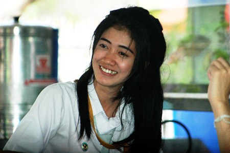Miss Nittaya Jituafua is a third year student at Pattaya Business Administration College.
