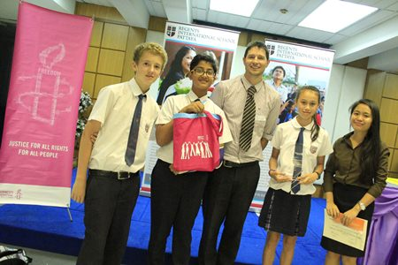 Regents students have a successful day at the Amnesty International Thailand Young Journalist Competition.