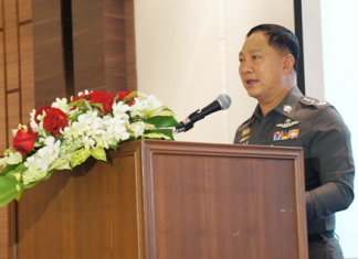 National Police Chief Gen. Adul Saengsingkaew addresses Metropolitan Police Bureau and Highway Police Division officers training in Pattaya.