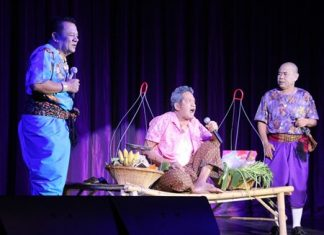 Yong Puang Nong, comedians famous for their live stage shows, have the audience rolling in the isles with laughter.