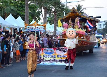 The Floating Market provides their beautiful float for the parade.
