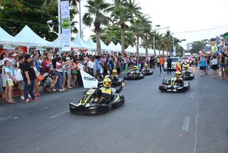 Pattaya's Easykart rumbles down Beach Road in the parade.