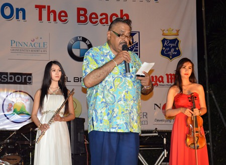 Pattaya Mail Media MD Peter Malhotra, Executive Advisor of Skål International Pattaya and Eastern Thailand, greets the Rotarians, Skålleagues and guests of the event.