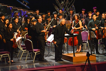 Conductor Maestro Hikotaro Yazaki takes a bow after a great performance.