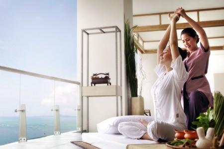 Sea breezes & massage help rejuvenate mind & body.