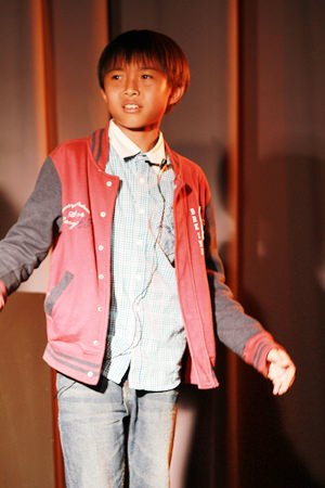 A Year 7 drama student at the MAD show.