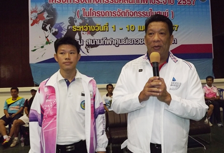 City Councilmen Praiwan Arromchuen and Woraphot Pongphalee open the event at the Pattaya Youth and Marine Ecology Center.