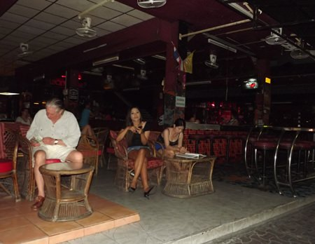 Bars on Walking Street went quiet with most observing the law banning alcohol sales on election night.