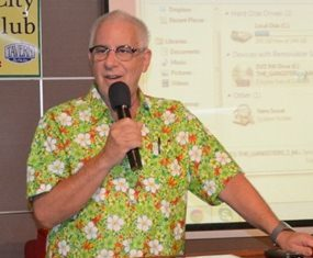 MC Richard Silverberg welcomes all to the April 13th meeting of Pattaya City Expats Club, inviting new visitors to introduce themselves & tell us where they are from.