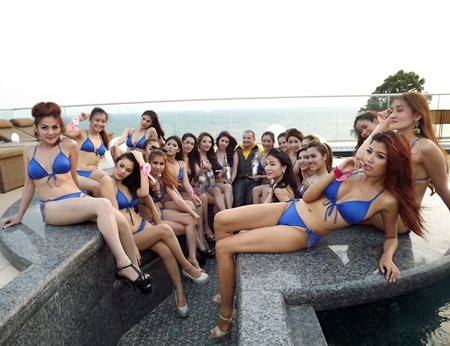 Miss Thai Lovely 2014 gather for a bikini clad group photo.