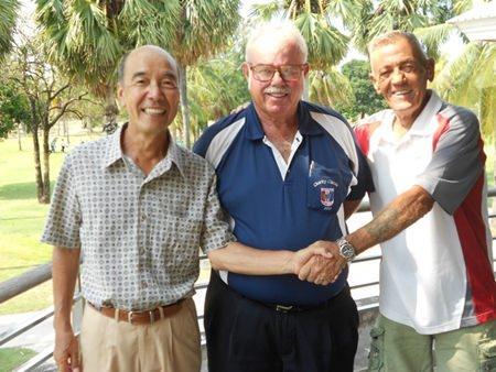 Mashi Kaneta (left) and Jack Robertson (right) with Dave Richardson.