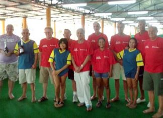 The lawn bowlers pose for a group photo at the Coco Club in East Pattaya.