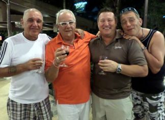 Peter, Greig, Craig and Mal enjoy some refreshments back at the hotel.