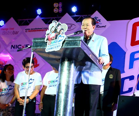 Former local MP Sansak Jaroon Ngampichet presides over the opening of BTV's Family Concert 2014 at the Eastern National Sports Training Center, Soi Chaiyapruek 2 on May 10.