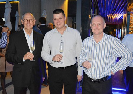 (L to R) Ron Batori, President of the Bangkok Beer & Beverages Co., Ltd.; Carl Duggan, Executive Assistant F&B Manager for Centara Grand Pratamnak Resort Pattaya; and Kuhrl Jan.