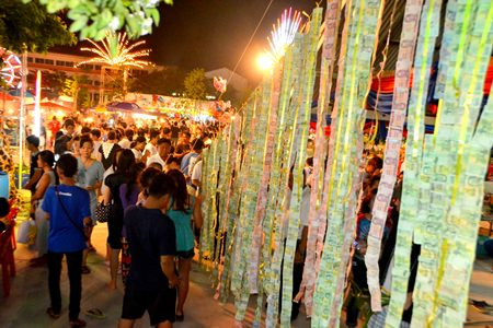 Many people attend the Visakha Bucha Day ceremonies at Wat Bunsamphan.