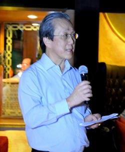 Phongsakdi Chakshuvej, President of the German-Thai Chamber of Commerce welcomes guests.