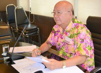 Deputy Mayor Wattana Chantanawaranon announces the city will once again organize a walk-run on May 13 for Visakha Bucha Day.