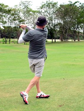 C flight winner Dave Bowers shows his style.