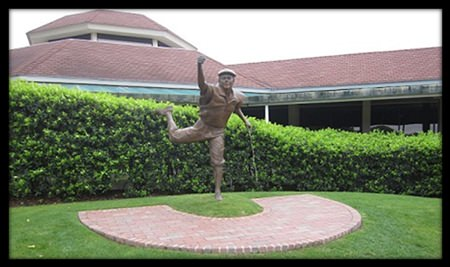 Payne Stewart's memorable reaction on sinking that putt in 1999 – caught in bronze and put on permanent display at Pinehurst No 2.