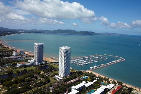 Ocean Marina Yacht Club in Jomtien offers one of the finest sailing facilities in Southest Asia.