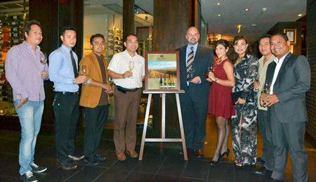 (L to R) Sak Ngamsmai (FBM Hard Rock Hotel Pattaya), Arm (Restaurant Manager, Centara Grand Mirage Beach Pattaya), Khamhaeng Sukhonnayabun (Restaurant Manager Centara Grand Phratamnak Pattaya), Wuthisak Pichayagan (EAM I/C Food & Beverage Centara Grand Mirage Beach Pattaya), MJ Loza (General Manager-NZ Accolade Wines), Weenita Vallee (Guest Service Manager Pullman Pattaya Hotel G), Koonlapatporn Intarasing (Key Account Specialist (Horeca), Siam Winery Trading Plus), Somchai Praysaithong (FBM Pullman Pattaya Hotel G), and Thanakiti Saivichittree (FBM Amari Orchid Pattaya).
