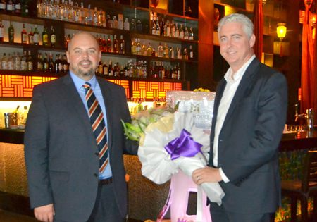 Amari Pattaya GM Brendan Daly (right) presents a thank you gift to special guest MJ Loza (left), General Manager of Accolade Wines.