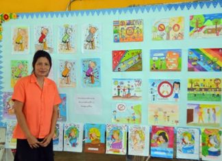Students drew pictures to promote the anti-smoking campaign.