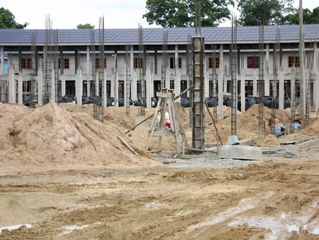 Construction is back underway for phase 2 of the Ban Munkhong Khao Noi low-income housing project.