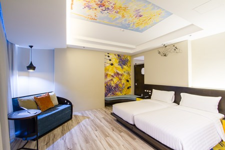 The hotel's 268 guestrooms are all tastefully decorated and provide plenty of living space.
