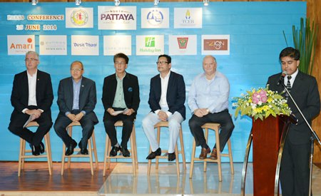 Tony Malhotra (Pattaya Mail & Skål) introduces members the NPA (l-R) Brendan Daly (Amari Pattaya), Chatchawal Supachayanont (Dusit Thani Pattaya), Poramet Amatyakul, Director of the TAT Thailand, Puripan Bunnag, Director of the Domestic MICE Department and Bob James, MD of Sheerbravado Design & Marketing.