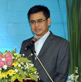 Sittidej Rochnavibhata, General Manger of the Cape Dara Resort Pattaya gives the opening speech.
