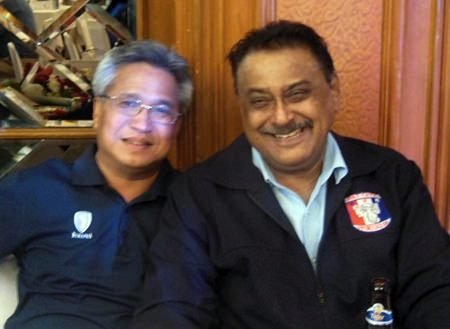 Kullatorn 'Mike' Mesmmonta (left), president of the East Coast Golf Courses Management Association (Thailand) is a staunch supporter of PSC.