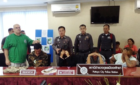 Pattaya police were able to arrest a gang of suspected pickpockets after they pilfered money from John Wale whilst on a baht bus.