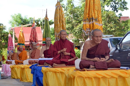 Realistic looking wax models representing revered monks throughout the kingdom, prepared by the city, were paraded around Pattaya for citizens to worship on Lent Day 2014.