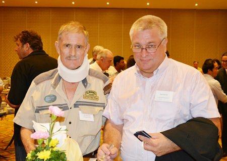 Jim Holloway (left), International Advisor for V. Pack & Move (Bangkok) Co., Ltd., and Karri Kivela (right), Business Development Manager for Logonet Promotion (Thailand) Co., Ltd.
