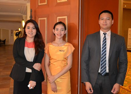 The management team of the Dusit Thani Pattaya (L to R) Wiracha Suchonthong, Director of Events, Fa Sroithongmay and Warranyu Matayat, Assistant Manager-Sales.